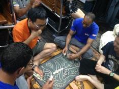 2016-04-30 playing domino 02