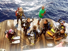 2016-10-12 Asmaa dive deck